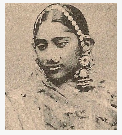 1900s. A Punjabi woman. Source: G T 1588 Facebook page.