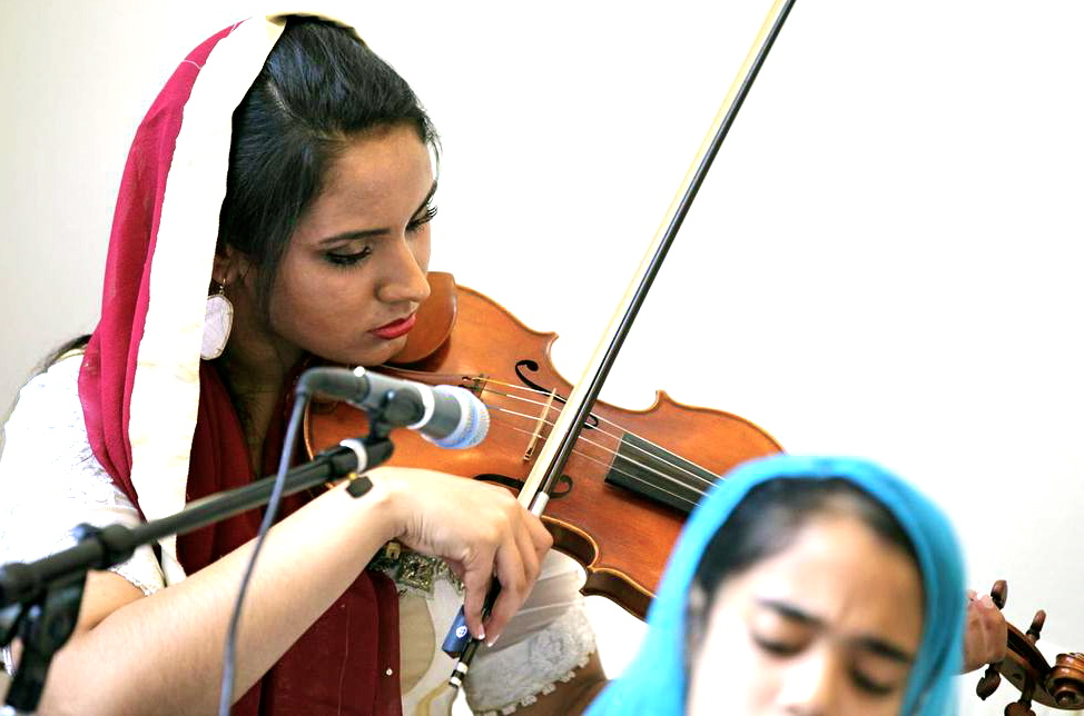Naina Kaur on violin
