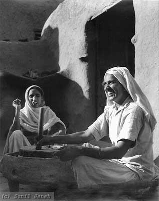 1945. Source: Old-Pics of Sikh Sikhism & Punjab Facebook Page