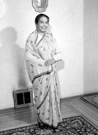 1956. Sikh woman in a sari in Vancouver. Photographer: Province Newspaper. Source: Vancouver public library.