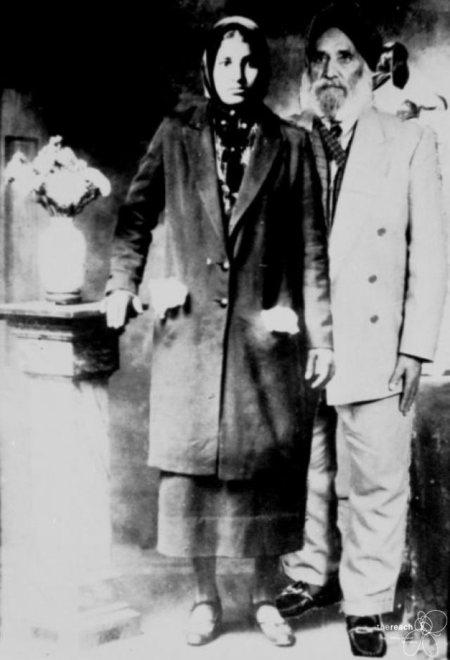 1938 & 1980. Nand Singh Banga and his wife, Dhan Kaur Banga. This is a manipulated image crated from two seprate images as Mr. Banga wanted a picture of him and his wife together, after she had passed away (30 years earlier). The photo of Mrs. Banga was taken in 1938, probably in New Westminister, before she returned to India. The photo of Mr. Banga was taken in Mission in the 1980s. Source: Thereach.ca