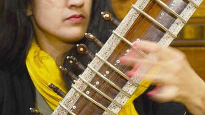 bal-bs-b-open-houses-ami-dang-sitar-20121226-altthumbnail