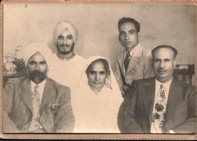 The Sandhu Family. http://www.sikhpioneers.org/t_usphot.html