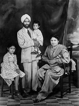 1948, Kenya. East Africa pioneer Sardar Sampuran Singh Gill, and his family. Photos below: courtesy, Gopal Singh Chandan, Swaran Singh Nijhar, Amarjit Singh Chandan Collection. Source: http://www.sikhs.org/memories/photo_9.html