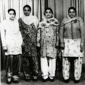 1954. Galsgow. L to R. Jagdish Kaur, Iqbal Kaur, Punjab Kaur, Kartar Kaur. Source: Manchester Archives